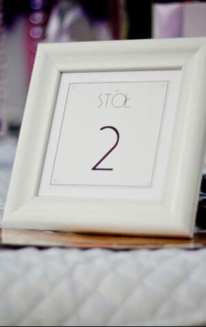 ramki na numery stołów