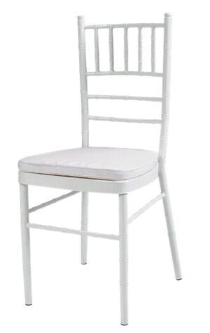 krzesła chiavari w kolorze białym