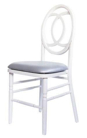 białe krzesła drewniane wynajem